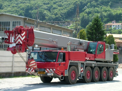 Two truck cranes sold to a customer in South Korea