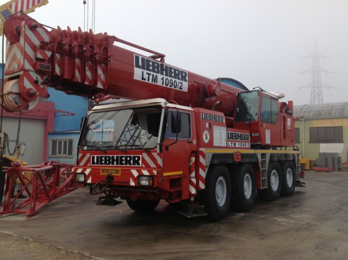 Two truck cranes sold to a client in Abu Dhabi