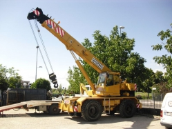 Two Locatelli truck cranes sold in Congo