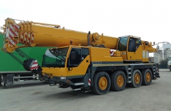 60 ton capacity Liebherr LTM 1060 2003 sold to Korean customer